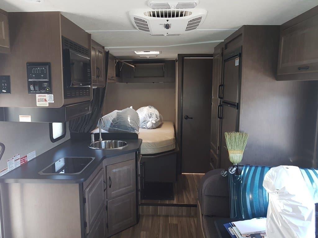 Camping-car 25 pieds de long cruise america intérieur