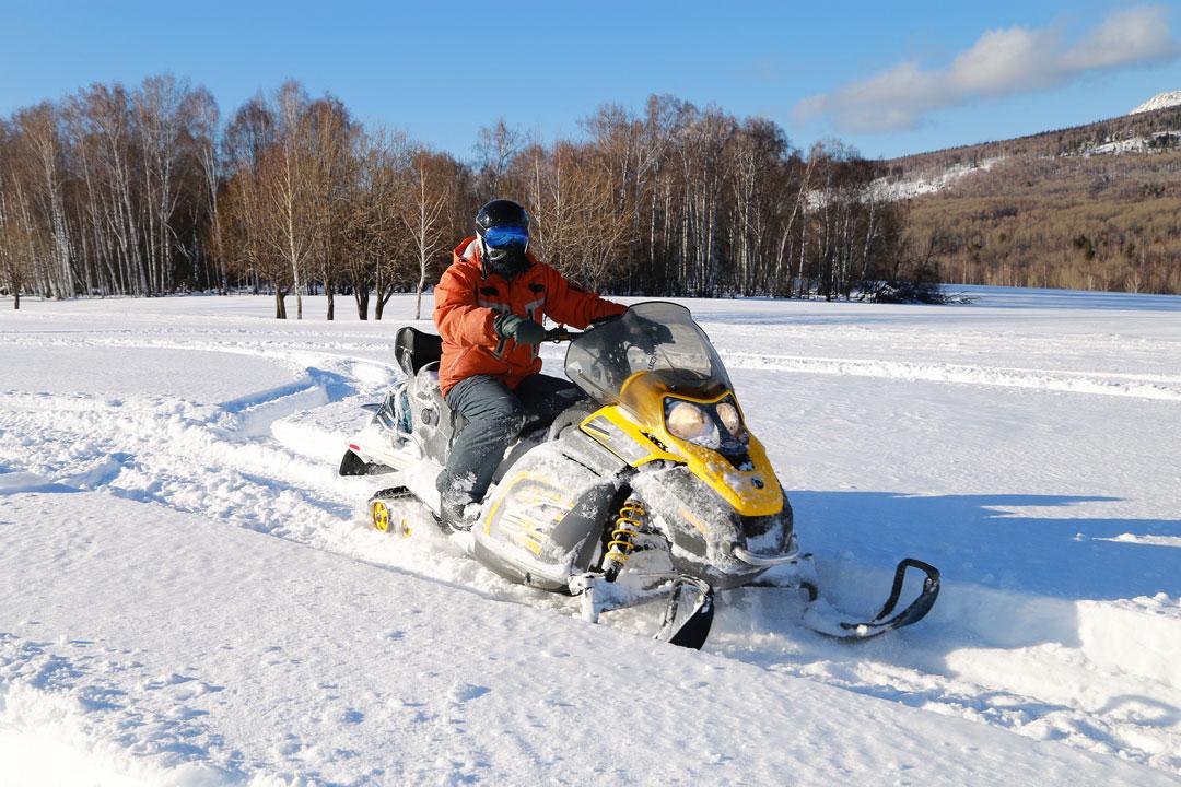 Canada en hiver - Motoneige